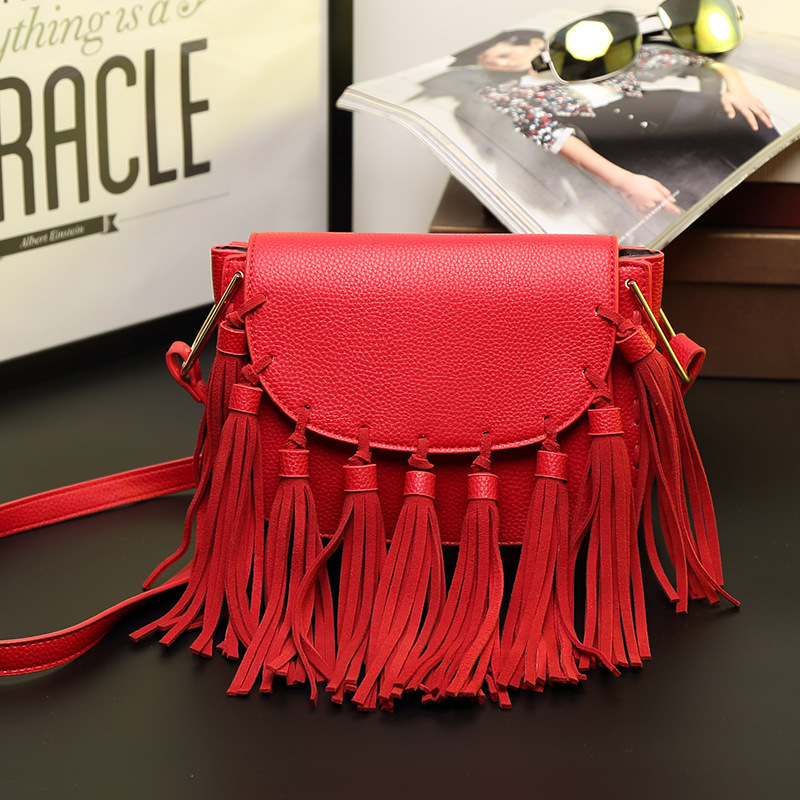ФОТО The new spring and summer 2016 fringed Leather Handbag Shoulder diagonal package Korean dumplings leather small bag lady tide