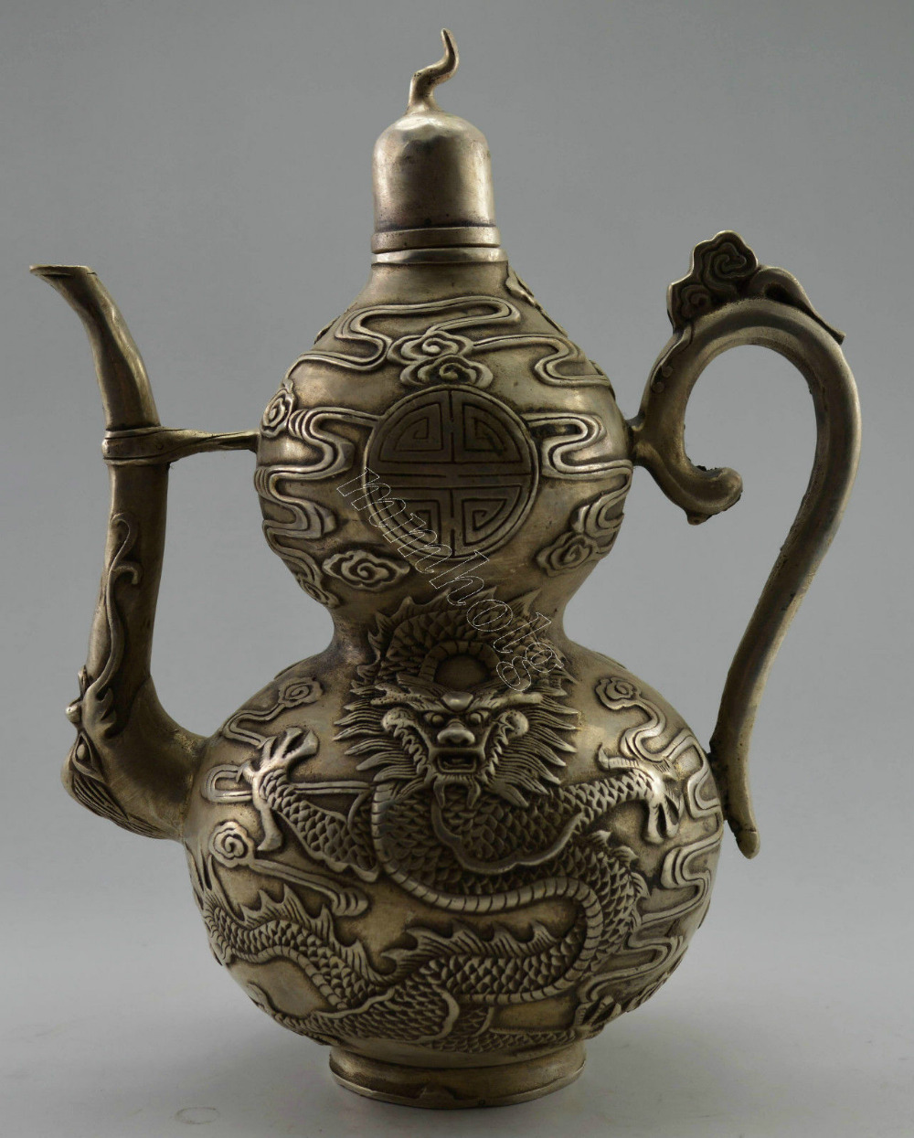 Collectible Decorated Old Handwork Tibet Silver Carved Dragon Gourd Tea Pot Tools Wedding Decoration Brass
