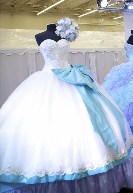 f14e3ac0c85 Elegant White Sweetheart Quinceanera Dresses Ball Gown WIth Big Blue Bow  Fromal For 15 Years Debutante Ball Gowns Custom Made