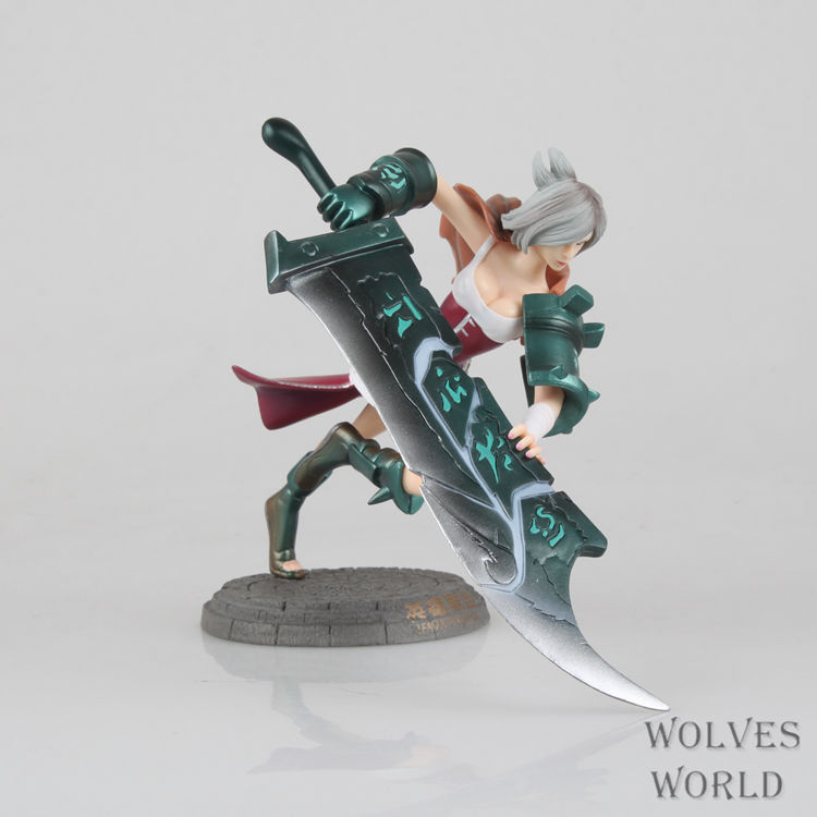 16cm Action Figure LOL Ruiwen Riven The Exile Raven Ruiwen PVC Kids Gift Toys Doll Collection Model Anime