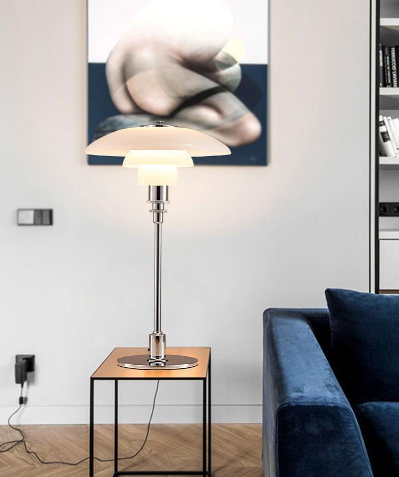 Antique Table Lamp Bedside Bedroom Desk Lamps Standing Lamp Hot LED Modern Light Bedroom Glass White Suspension Lamp