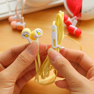 Image 2 - 素敵な果物のキャンディーカラフルなイヤホン 3.5 ミリメートルで、耳マイク電話 Xiaomi 女の子子供子供学生のための MP3