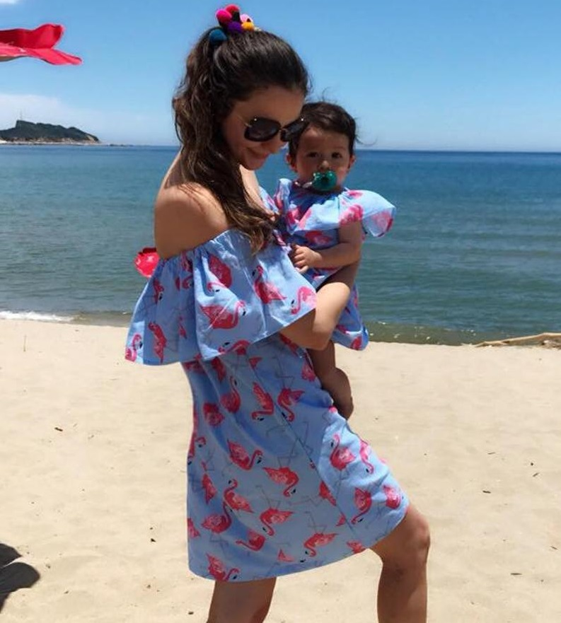 Beach Mommy and Me Clothes Off Shoulder Mother Daughter Dresses Flamingo Mom Mum Baby Girls Dress Family Matching Outfits LookBeach Mommy and Me Clothes Off Shoulder Mother Daughter Dresses Flamingo Mom Mum Baby Girls Dress Family Matching Outfits Look