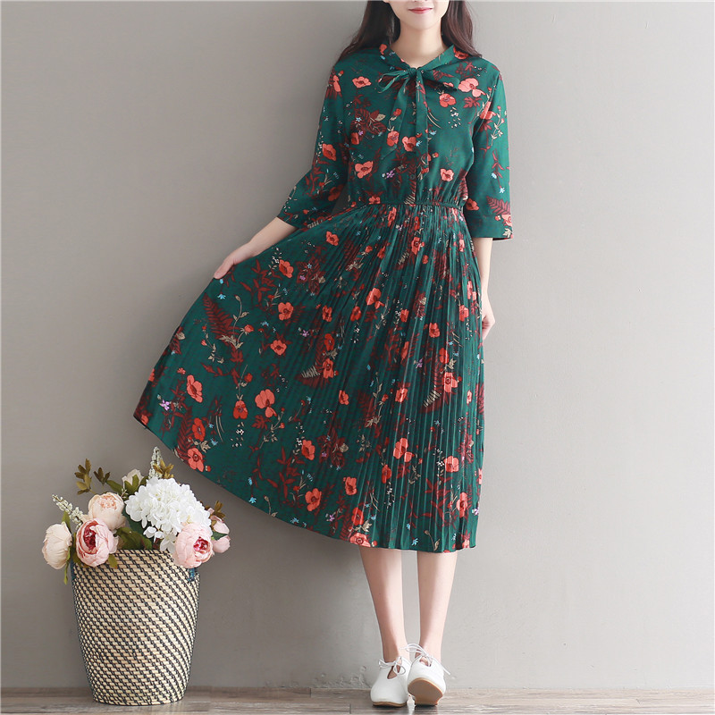802327a7023 Maternity dress Retro Floral Print Long Chiffon Pleated Dresses 2018 Spring  Summer Pregnant Women pregnancy Flowers Dresses-in Dresses from Mother    Kids on ...