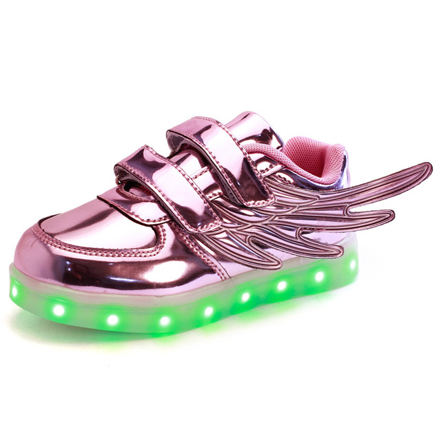2017 New Children shoes with light New Children Lighted Shoes Boy Girl LED Flashing Shoes Kids Sneakers With Wings Shining