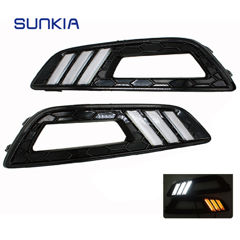 SUNKIA LED Car DRL Daytime Running Lights 12V with Turn Signal and Dimmed Function with Fog Lamp Hole for Ford Focus 4th turn signal and dimming style relay car led drl daytime running fog lights accessories for honda crv 12 14 with fog lamp hole