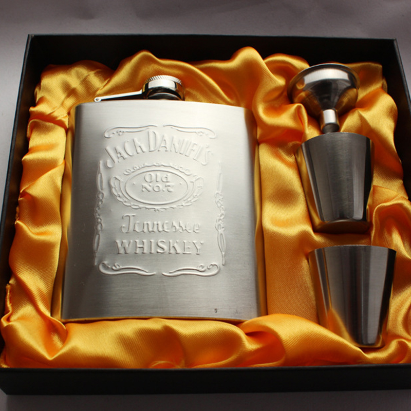 Portable Stainless Steel Hip Flask set 7oz Embossed Flagon Flasks russian Wine beer Whiskey Bottle Pocket