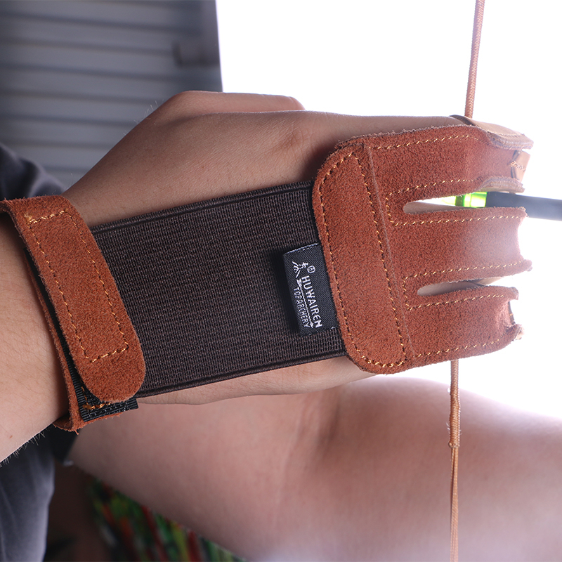 "Safari Choice 3.3/"" Archery Adult Leather Finger Tab"