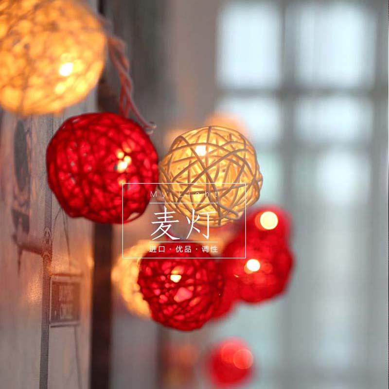 Ungewöhnlich Rote Weihnachtsbeleuchtung Weißer Draht Bilder - Der ...