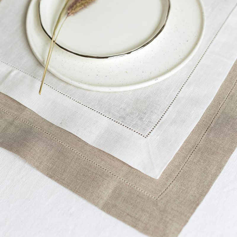 4 ชิ้น/ล็อต Hemstitched ผ้ากันเปื้อนผ้าเช็ดปากผ้าลินินที่กำหนดเองผ้ากันเปื้อน 45*45 ซม.และ 35*50 ซม.สำหรับปาร์ตี้งานแต่งงาน
