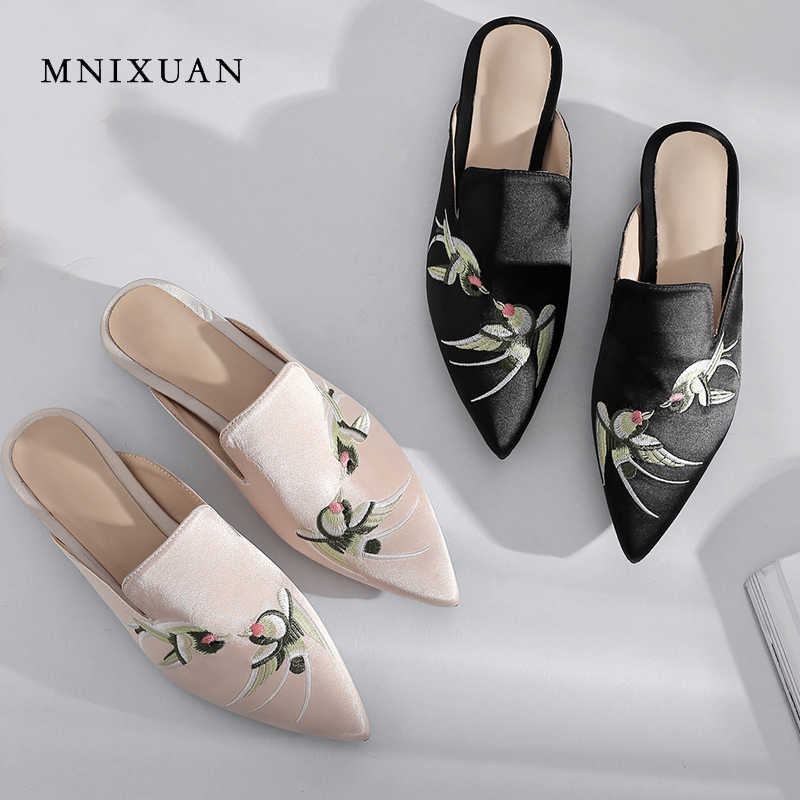MNIXUAN handmade flat mules slippers shoes women 2018 autumn new pointed toe  embroidered animal ladies sandals 722e6d4b6d7e