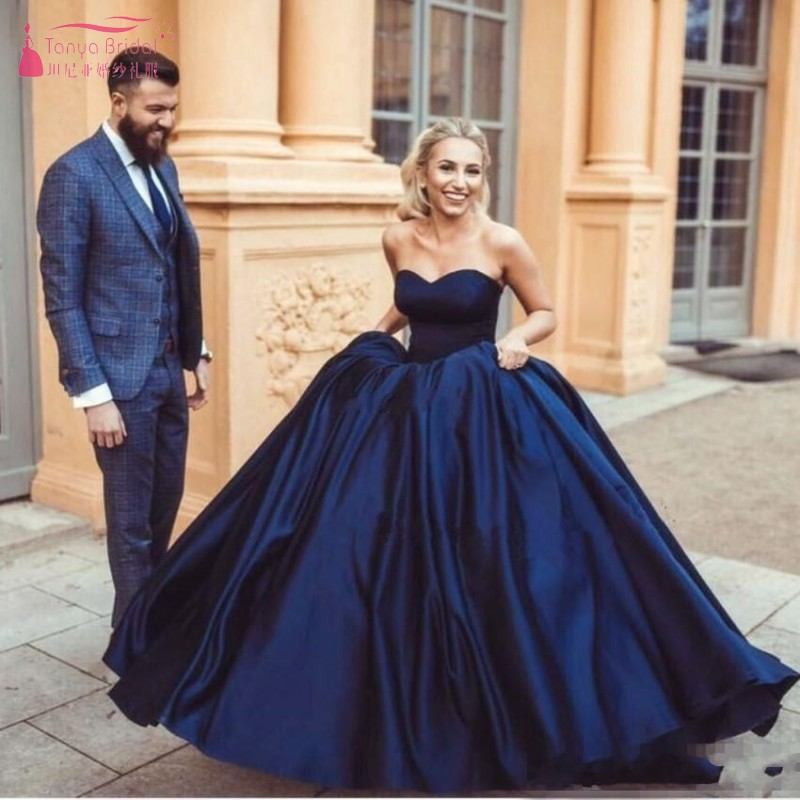 Navy Blue Ball Gown Prom Dresses Satin Sweetheart Sleeveless 2019 Modern Plus Size Arabic Formal Evening Gown JQ177