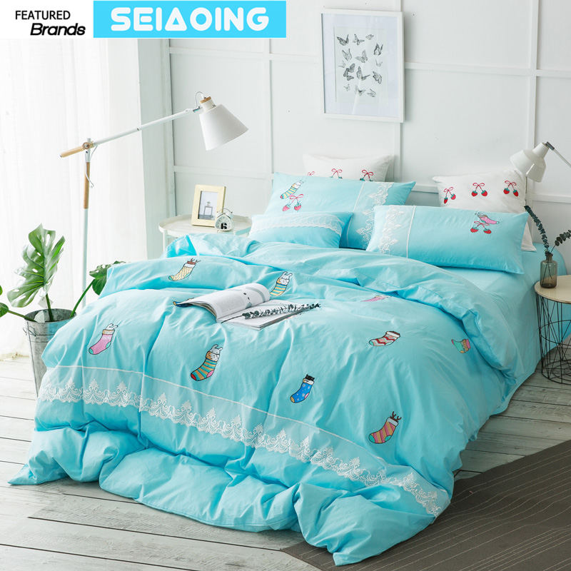 Christmas Sheets King.Us 74 41 39 Off Christmas Socks Bedding Set Queen King Size 3d Deer Blue Duvet Cover 4 5pc Embroidered Bed Linens Royal Girl Gift Sheets Doona In