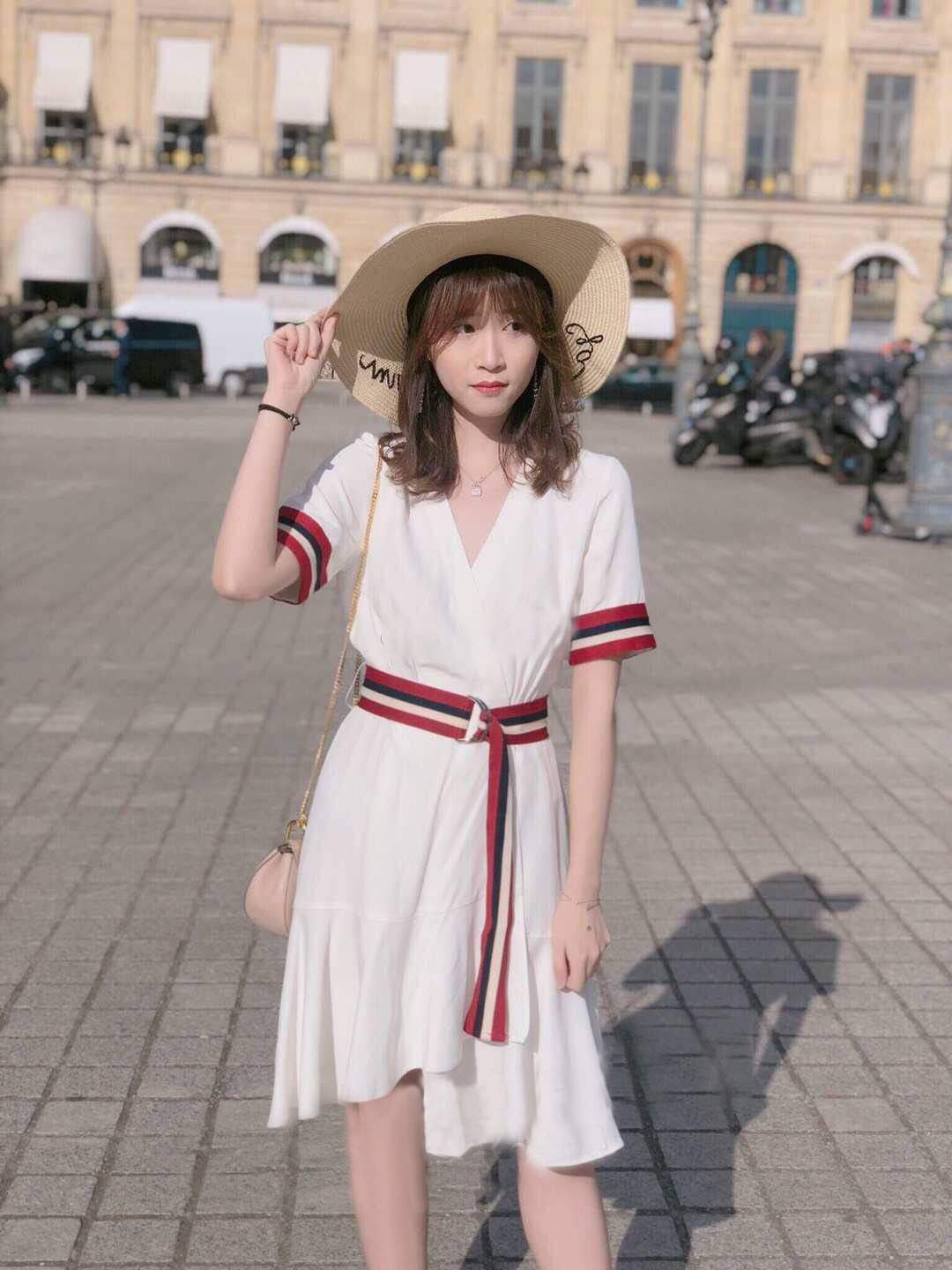 Women Dress 2019 Spring and Summer Stitching Belt Short sleeved V neck Dress