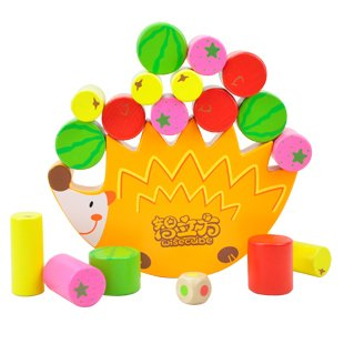 Candice guo! Funny toy educational wooden toy colorful hedgehog shape fruit balance game frame 1pc children funny lucky game gadget joke toy projectile fun