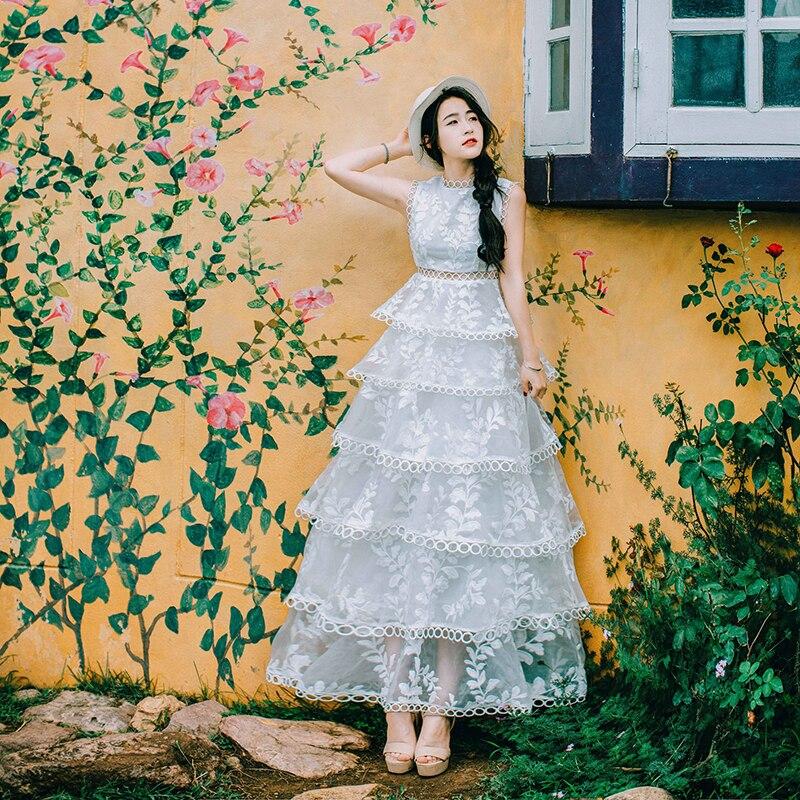 Livraison gratuite vintage blanc broderie gâteau ébouriffé 6 couches flare longue robe fée/princesse bord de mer/vacances longue robe/asie taille