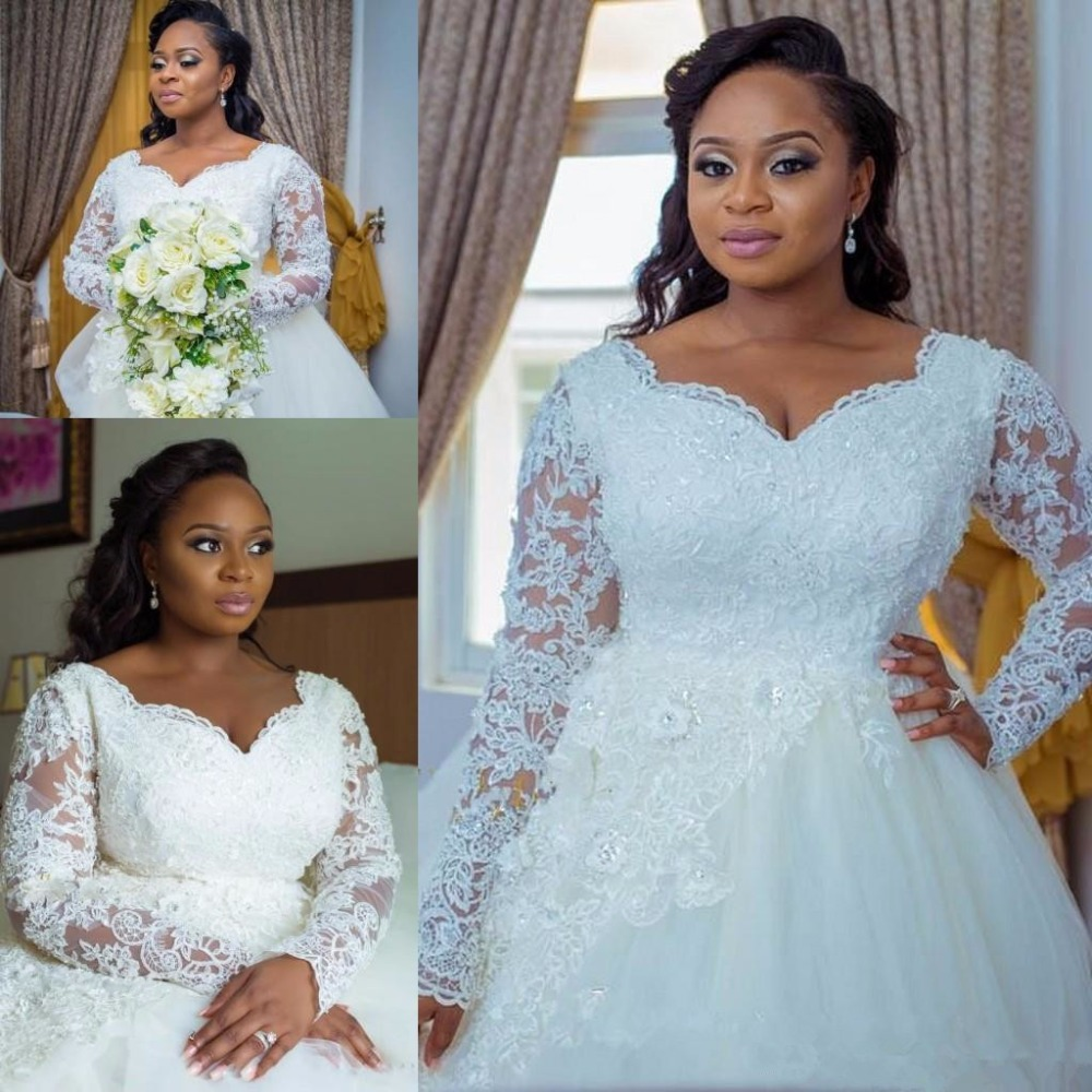 2019 Wedding Dresses Plus Size Lace Applique Crystal Beaded Ball Gown Sweetheart Long Sleeves Arabic Court