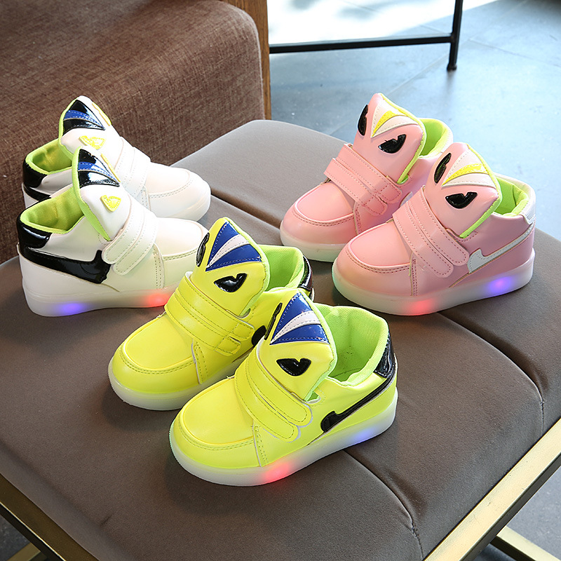 Children Cartoon Monster Glowing Shoes 2018 New Light Funny Shoes Baby Girls Boys Sport Sneakers Luminous Kids Sneakers