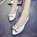Плюс Размер Женщины Свадебная Обувь Женщина Бабочкой Скольжения на Квартиры Белый Лакированной Кожи Балетки Мокасины Дамы Весна Осень 3352