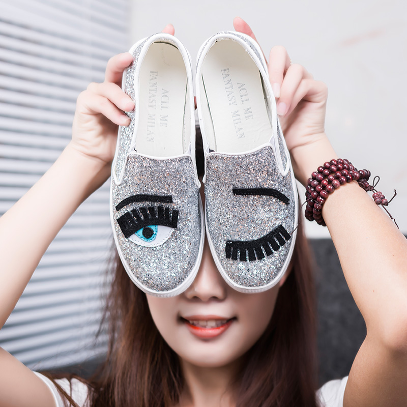 2016 Chiara Ferragni Flats Round Toe Zapatos Mujer Glitter Eyelash Flat  Espadrilles Blink Eye Flat Shoes Womens Lazy Loafers 7fd27eae7164