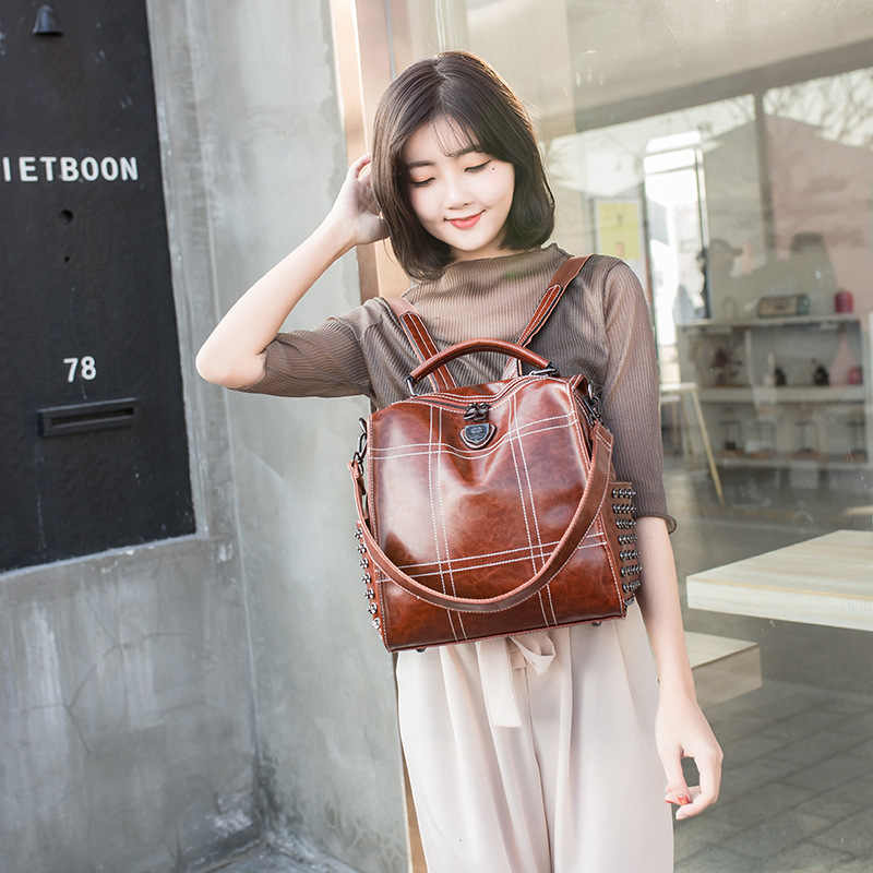 Европейская станция Ins2019 новые взрывные модели кожаный ретро рюкзак женский Дикий большой емкости заклепки мягкий кожаный рюкзак