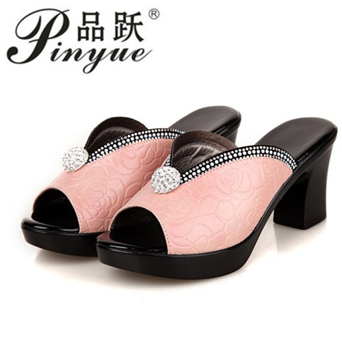 2018 Size 40 Diamond Sandals Nice New Summer Mother's Sandals Female Genuine Leather Shoes Peep Toe Waterproof Antiskid Slippers