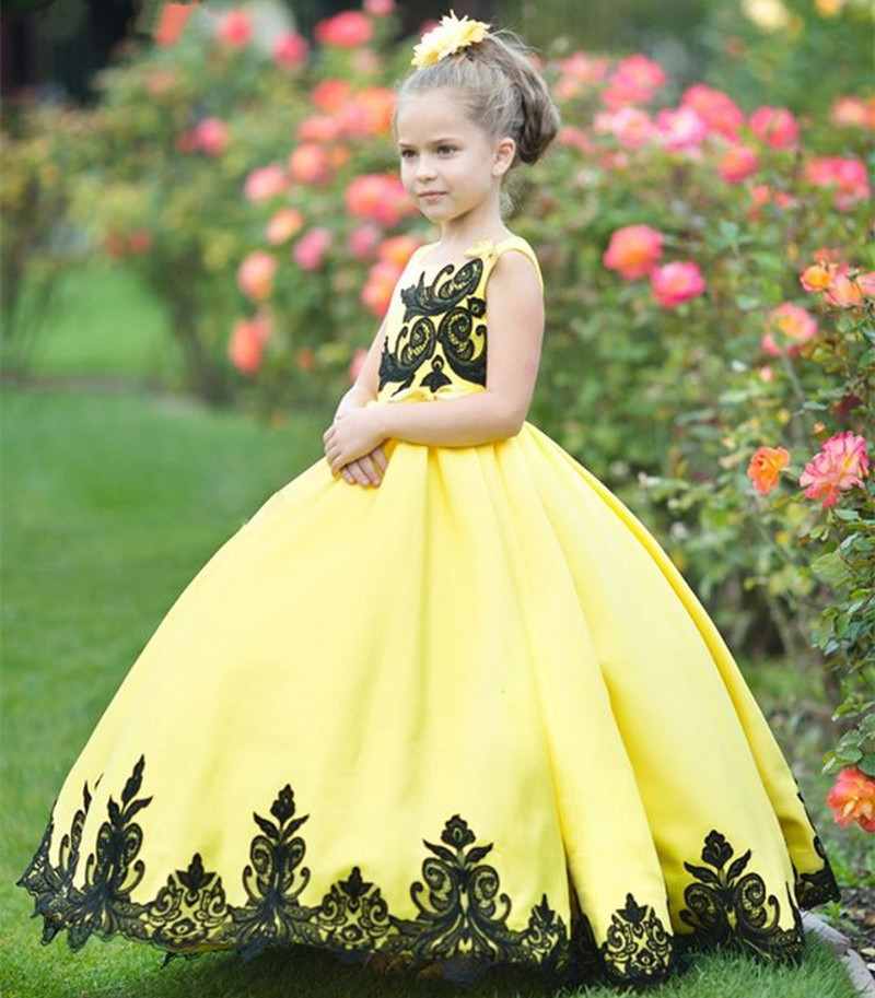 Yellow Fluffy Flower Girl Dress With Black Appliques Lace Children Wedding Party Gowns Custom Any Size Any Color цена 2017