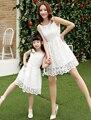 Лето Новая Семья Соответствующие Наряды Мать и Дочь Кружева Принцесса Платья Соответствия Мама Дочь Семьи Платья