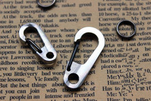 Titanium Alloy Quick Hanging Carabiner Keychain Deduction Flashlight Buckle Tools