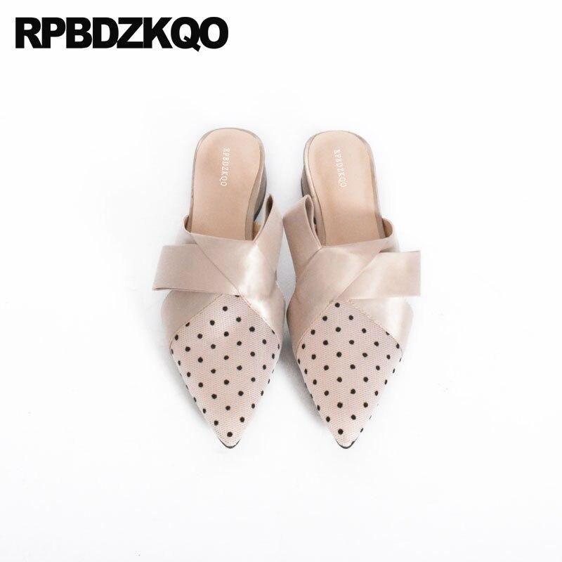 все цены на Women Shoes 2018 Spring Cute Mules Low Heel Block Closed Toe High Heels Bow Kawaii Pumps Slides Sandals Bowtie Beige Pointed
