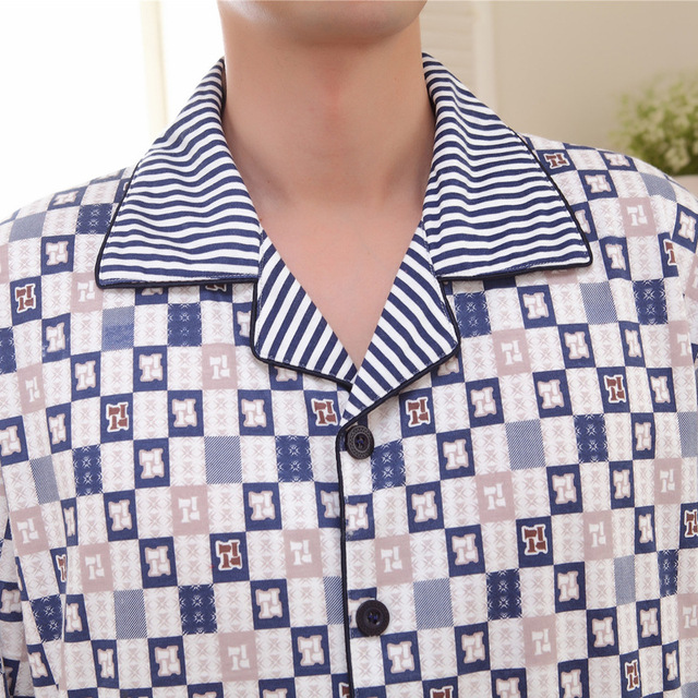 2016 Men's Autumn Fashional Comfortable Cotton Plaid Sleepwear Pijama Turn-down Collar Long Sleeved Sleep & Lounge 141