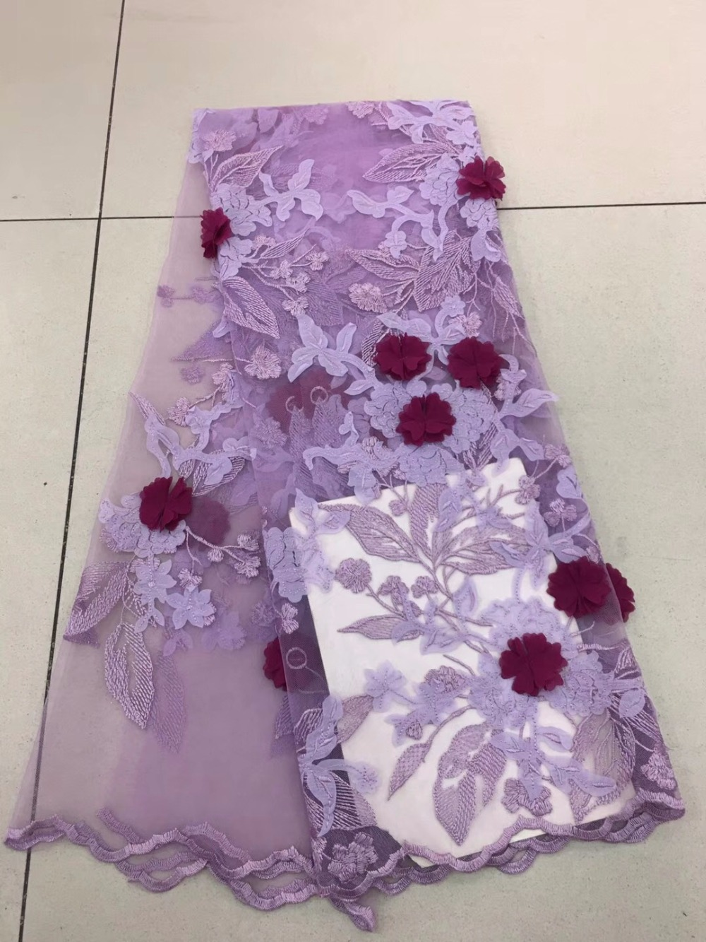 Latest African Laces 2018 Embroidery 3D Flower Fabric High Quality Nigerian LACE Fabrics For WeddingLatest African Laces 2018 Embroidery 3D Flower Fabric High Quality Nigerian LACE Fabrics For Wedding