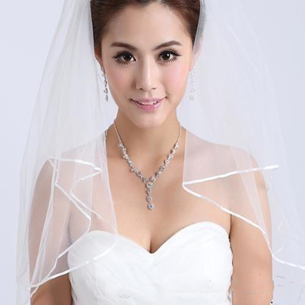 7045eb6051 US $2.1 79% OFF|2019 Free shipping Wedding Veils white two layer lace  flowing wedding accessories wholesale wedding veils bridal accesories  lace-in ...