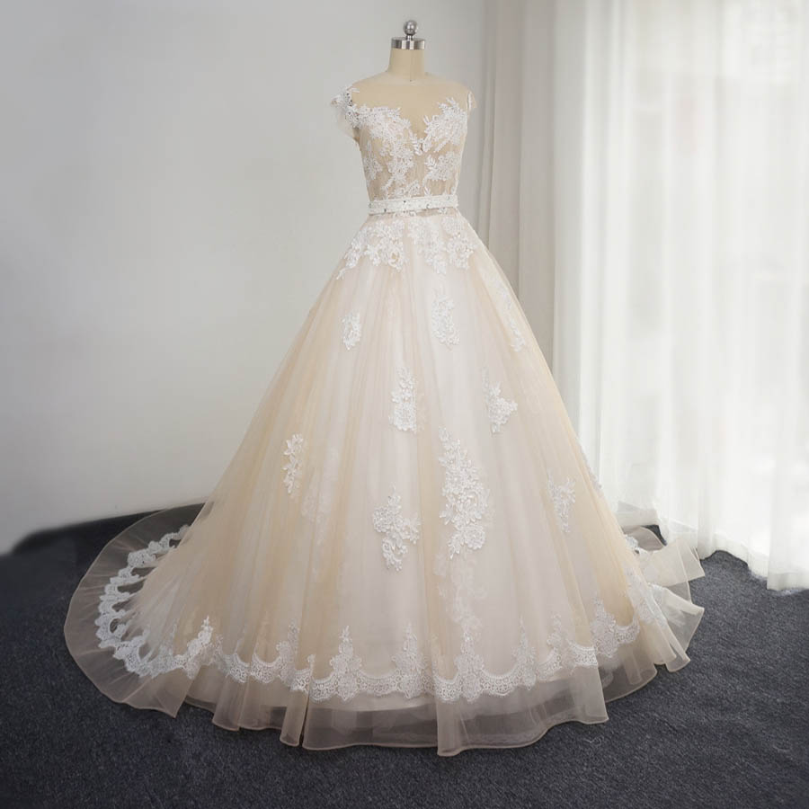 Wedding Gowns For Less: 100 % Real Picture Custom Made Sleevesless Lace Appliques