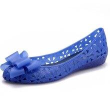 Бесплатная доставка 2017 бантом склон Пластик женские босоножки Кристалл Обувь полые прозрачная обувь отверстие Обувь пляжная обувь дождь Сапоги и ботинки для девочек