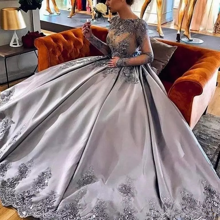 Amazing Silver Long Sleeves Ball Gown evening Dress 2019 Lace Appliques Formal Prom Evening Gowns Luxury