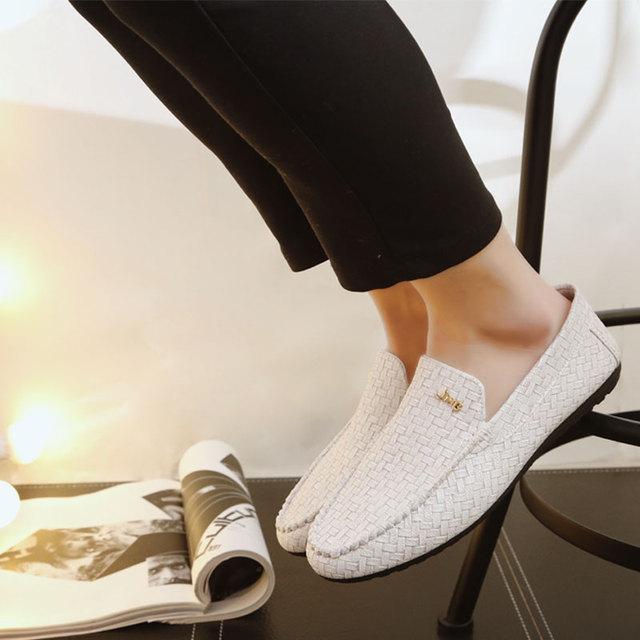 De los hombres del verano zapatos casuales transpirable zapatos de cuero Guisantes Británicos perezosos zapatos de los hombres zapatos de los planos de los holgazanes de cuero genuino