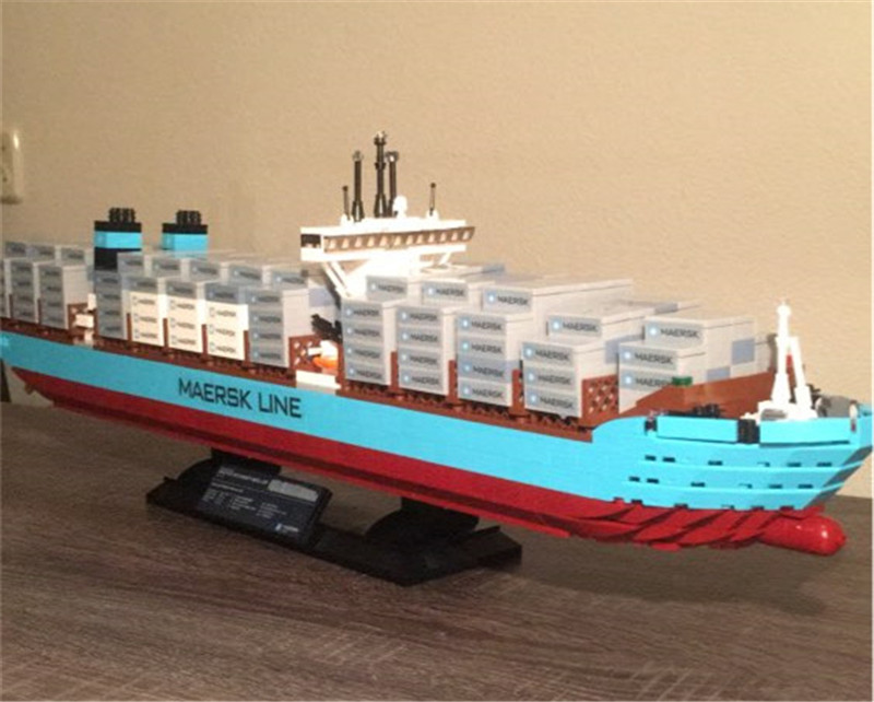 Genuine Technic Series The Maersk Cargo Container Ship Set Compatible Lepins Building Blocks Bricks Educational Boy Toys 22002 genuine technic series the maersk cargo container ship set 10241 building educational toys lepin