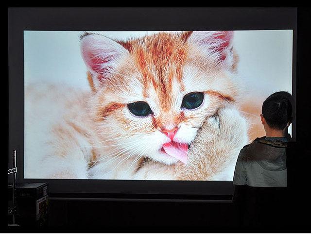 Envío Libre Más Nuevo! Brillantes 3000 lúmenes Construir-en Android 4.4 Wifi Proyector Full HD Android LED96 + W Digital 3D proyector de Vídeo