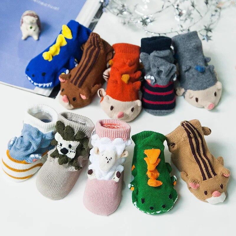 21c9e9507 ᐂ3D niños de dibujos animados calcetín anit del piso del cabrito ...