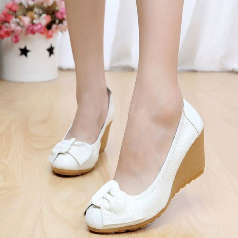 2018 new single shoes women spring and autumn models leather fashion wild shoes high heel with small white shoes