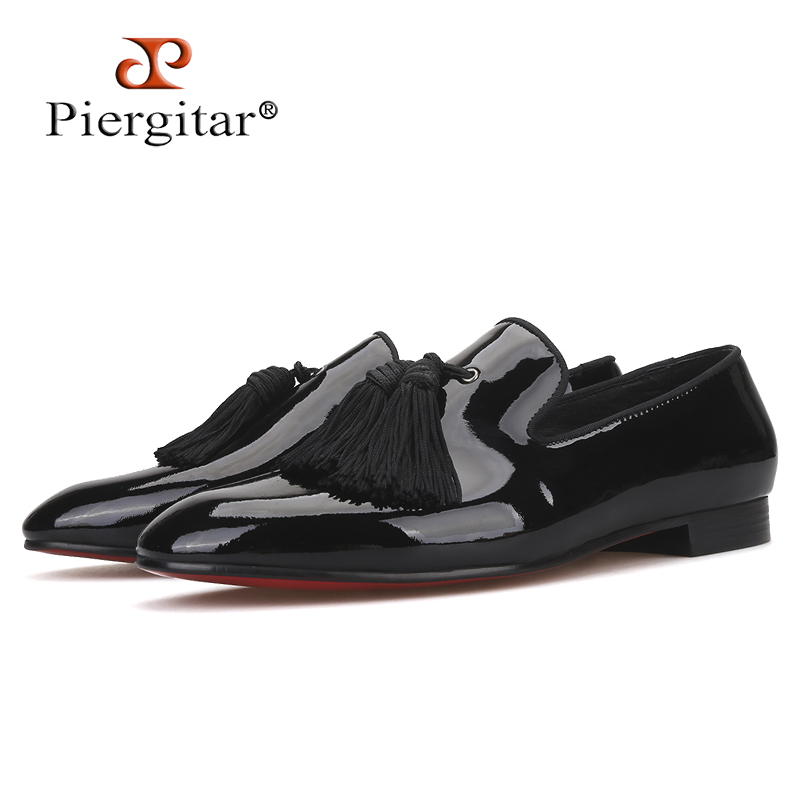 Piergitar 2019 New Black Patent Leather Men Dress Shoes with Big Tassel Plus Size Men Loafers Party and Wedding Men's shoes