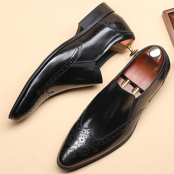 Genuine leather Men brogue Business Wedding banquet shoes casual flat shoes vintage handmade oxford shoes for men black 2020 men winter boots 100% genuine cow leather brogue shoes casual ankle shoes comfortable quality soft handmade flat shoes black red