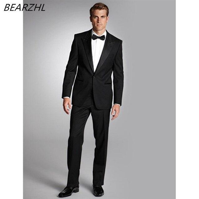 Hombre vestido de novia