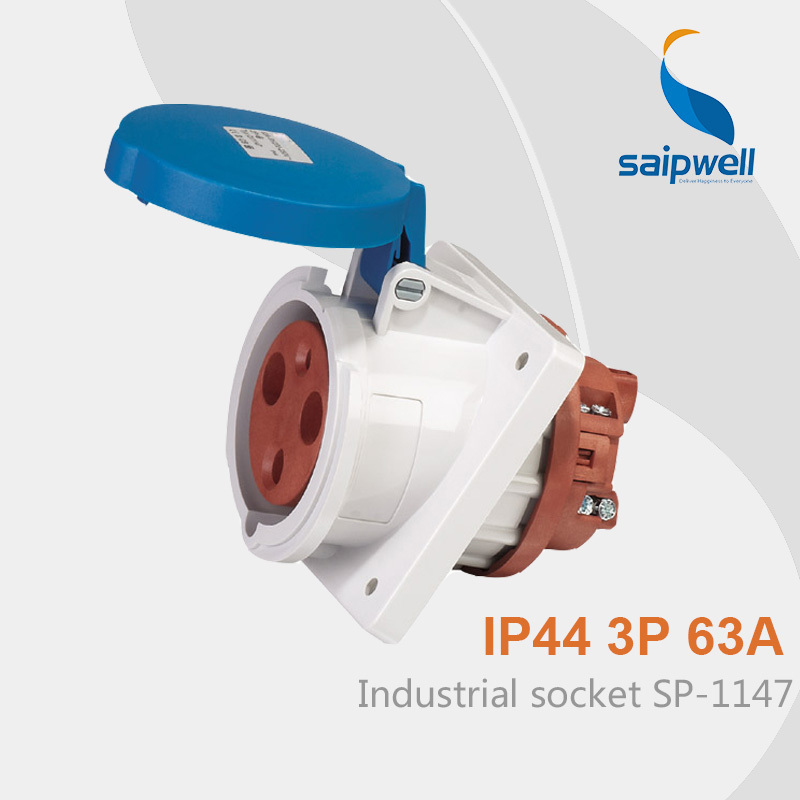 цена на Wholesale Saipwell SP1147 waterproof IP44 400V 63A 3 pin female china extension socket electrical pin socket contact welder uses