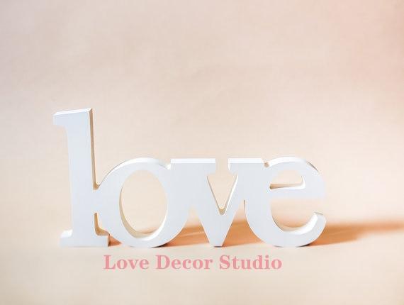 Lettere Di Legno Da Appendere : Legno nero segno di amore decorazioni di nozze decorazione della