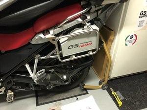 Image 3 - Đối với BMW R1200GS LC Phiêu Lưu hộp công cụ 2013 2018 trang trí Nhôm hộp công cụ 5 lít cho tay trái khung r1200gsa 14 18