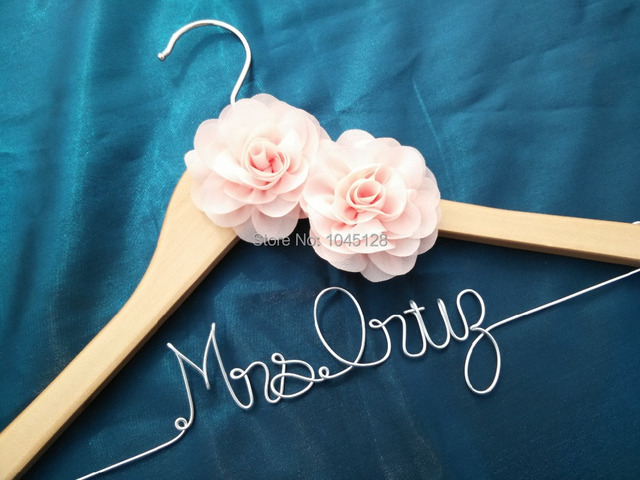 Free shipping natural hanger Personalized Wedding Hanger, bridesmaid ...