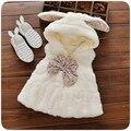 Otoño Bebé Infantil de Invierno Faux Fur Fleece Con Capucha Chaleco Sin Mangas Chaleco de La Princesa Arco de Las Muchachas Embroma la Capa casaco roupas de bebe