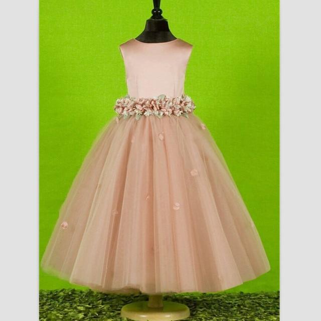 Платье для девочки из тафты